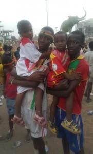 Jeunes supporteurs du Syli dans les rues du quartier Belle-vue à Conakry