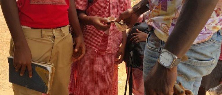 Article : Ecole guinéenne: le racket organisé